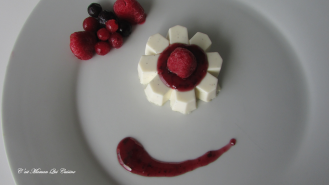 https://cestmamanquicuisine.com/2016/02/24/panna-cotta-vanillee-et-mon-coulis-fruits-rouges/
