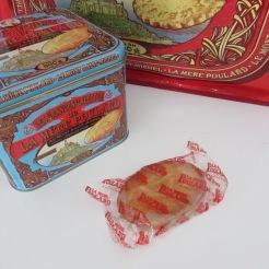http://www.biscuiterie-mere-poulard.com/produits/fr/nos-coffrets-fer-collector/48-grandes-galettes-coffret-fer-collector-de-500g.html